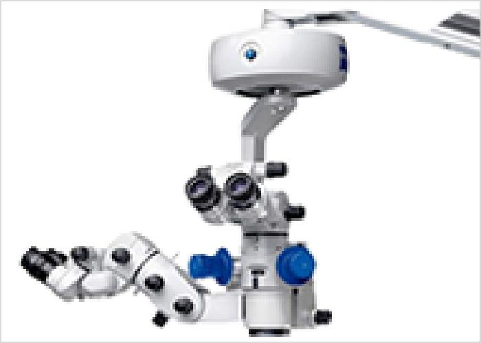 手術顕微鏡の写真です。